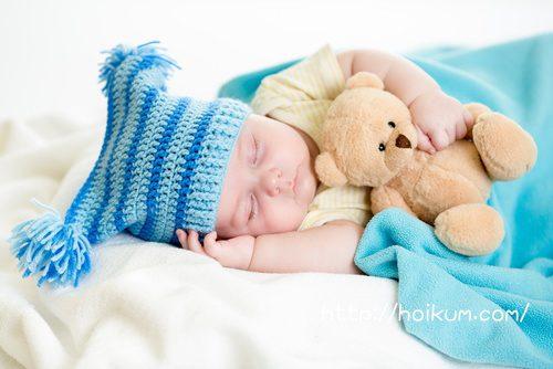保育園で昼寝中の園児
