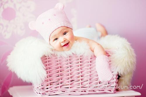 くまのニット帽がキュートな赤ちゃん。スクーリングは体験だけどがんばる!