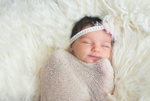 赤ちゃんの笑顔はママの癒し